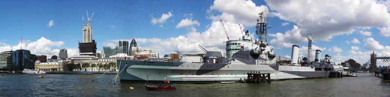 HMS Belfast i dagsljus