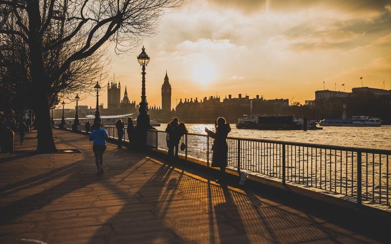 City of Westminster på andra sidan Themsen