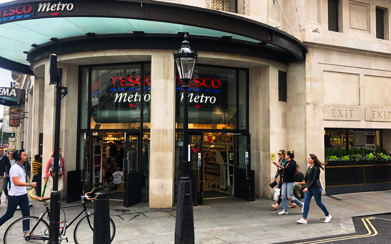 Tesco Metro vid Piccadilly Circus